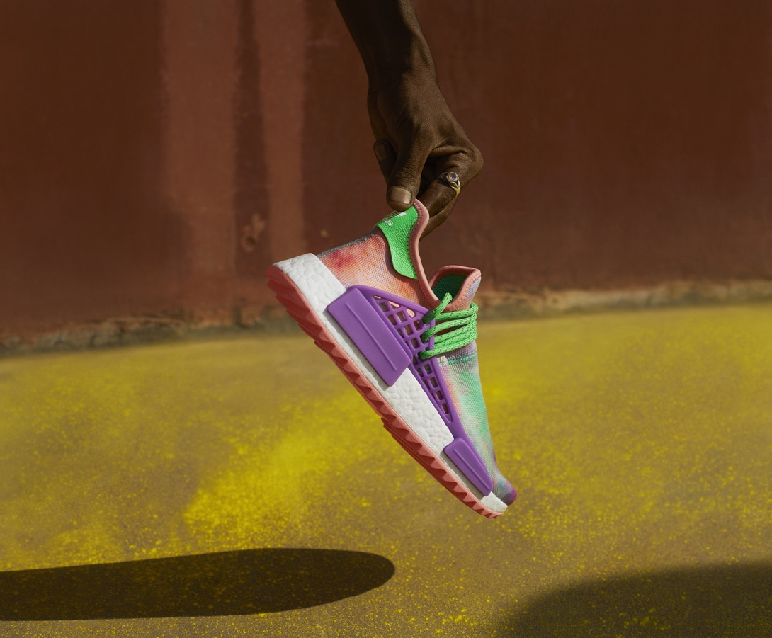 pharrell-williams-adidas-originals-hu-holi-powder-dye-6
