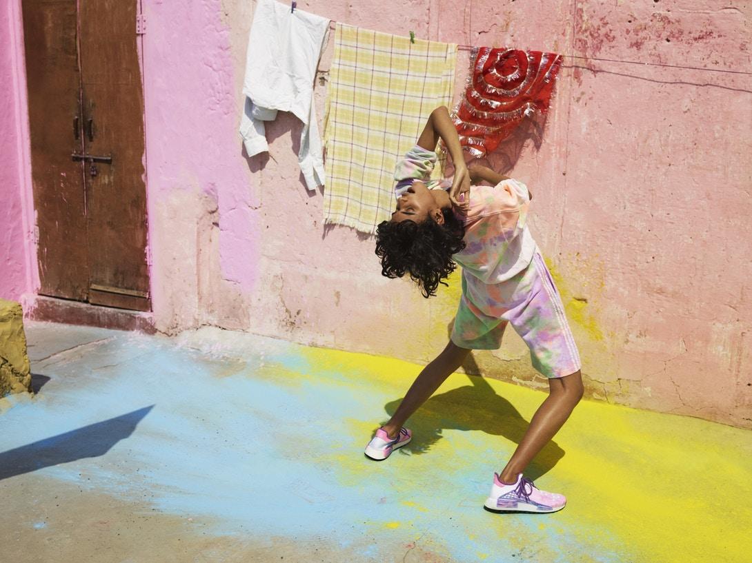 pharrell-williams-adidas-originals-hu-holi-powder-dye-8